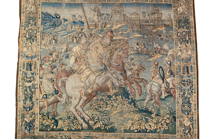Het stadsbestuur deed bij veilinghuis Sotheby's een winnend bod van 13.500 euro op een historisch wandtapijt over Margaretha Van Parma.